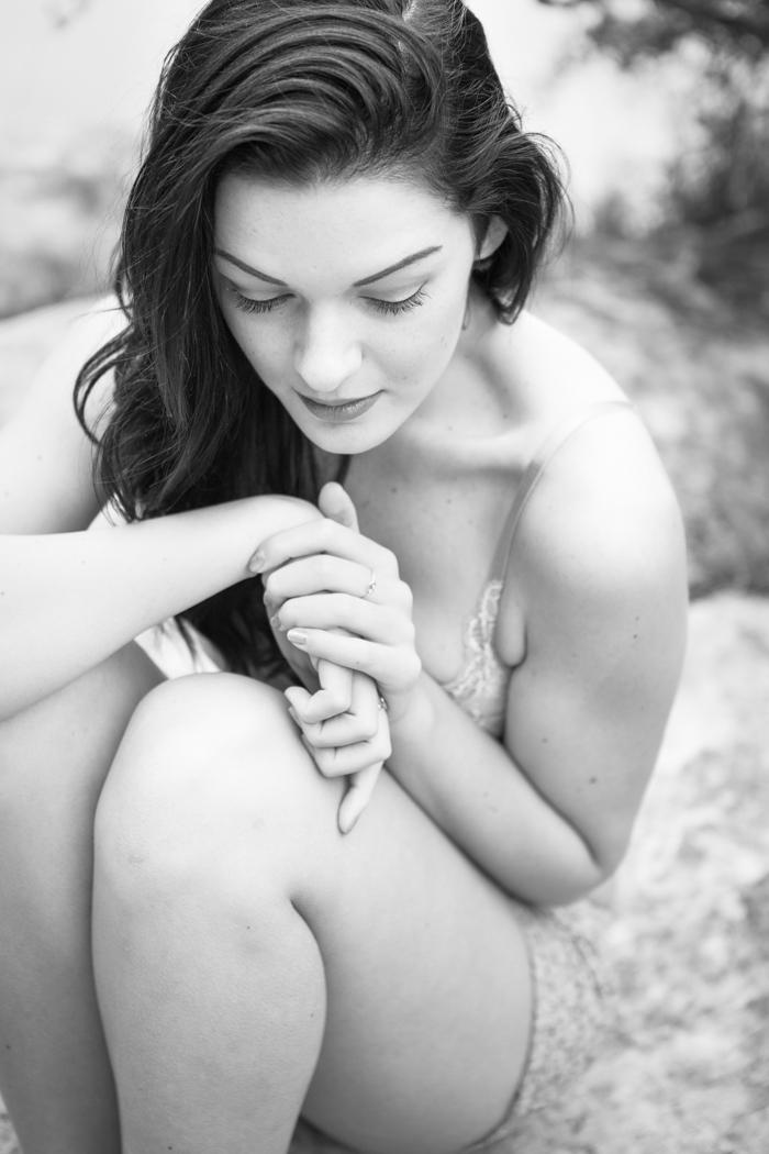 natural outdoor boudoir photography california
