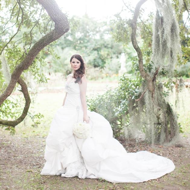 etherial bridal portrait at Houmas House photo by San Luis Obispo Wedding photographer Skyla Walton