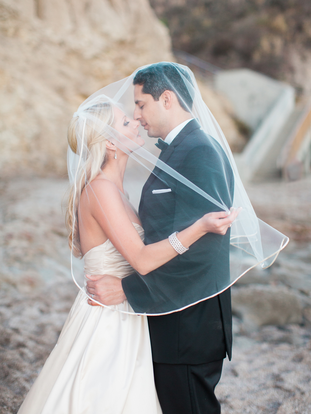 Glam pink and gold The Cliffs Resort Wedding in Pismo Beach by San Luis Obispo Wedding photographer Skyla Walton (82 of 94).jpg