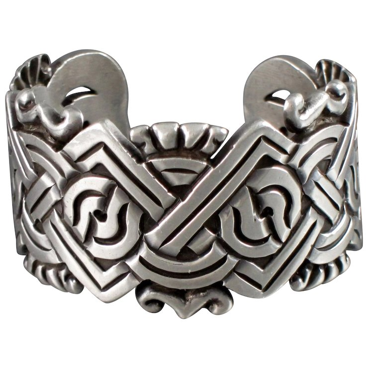 William-Spratling-Aztec-Sterling-Silver-Cuff-full-1-720_10.10-81-f.jpg