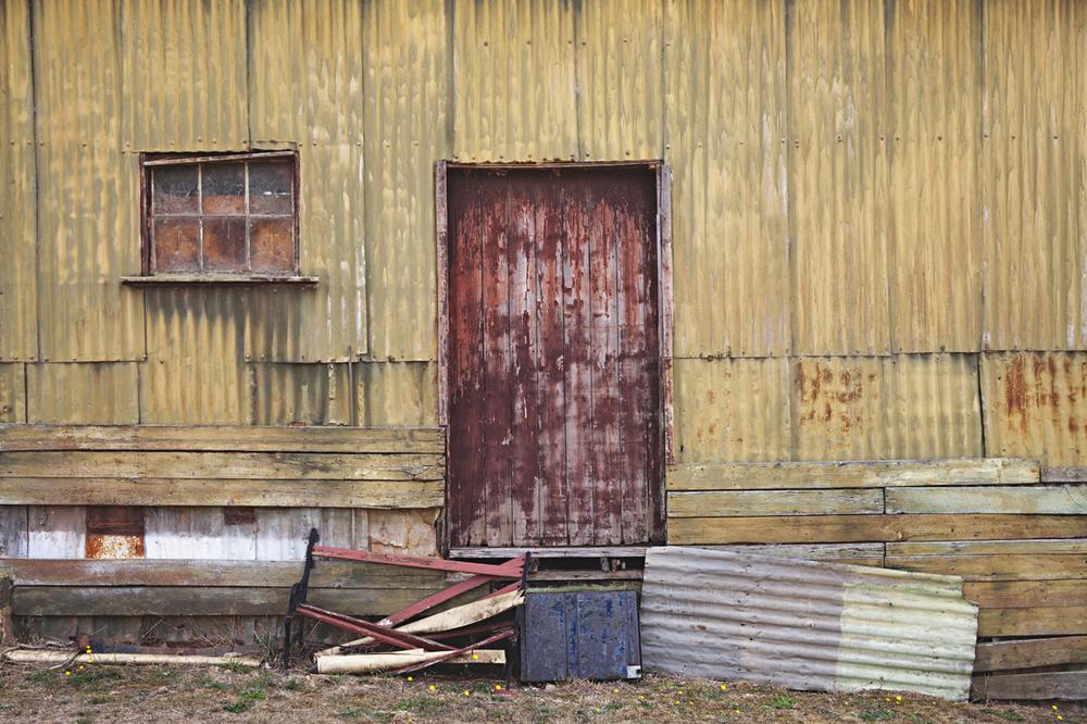 tin_door1_sm.jpg