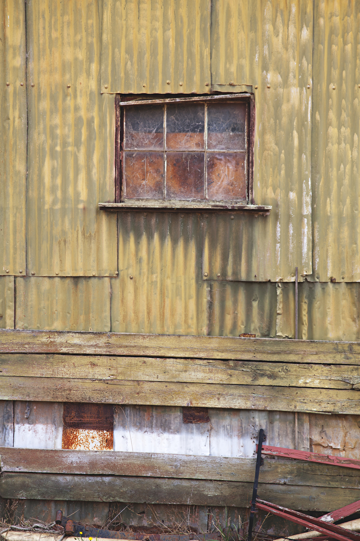 tin_window_sm.jpg