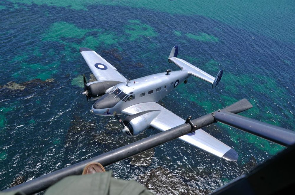Shooting a Beech 18, from an R44 helicopter