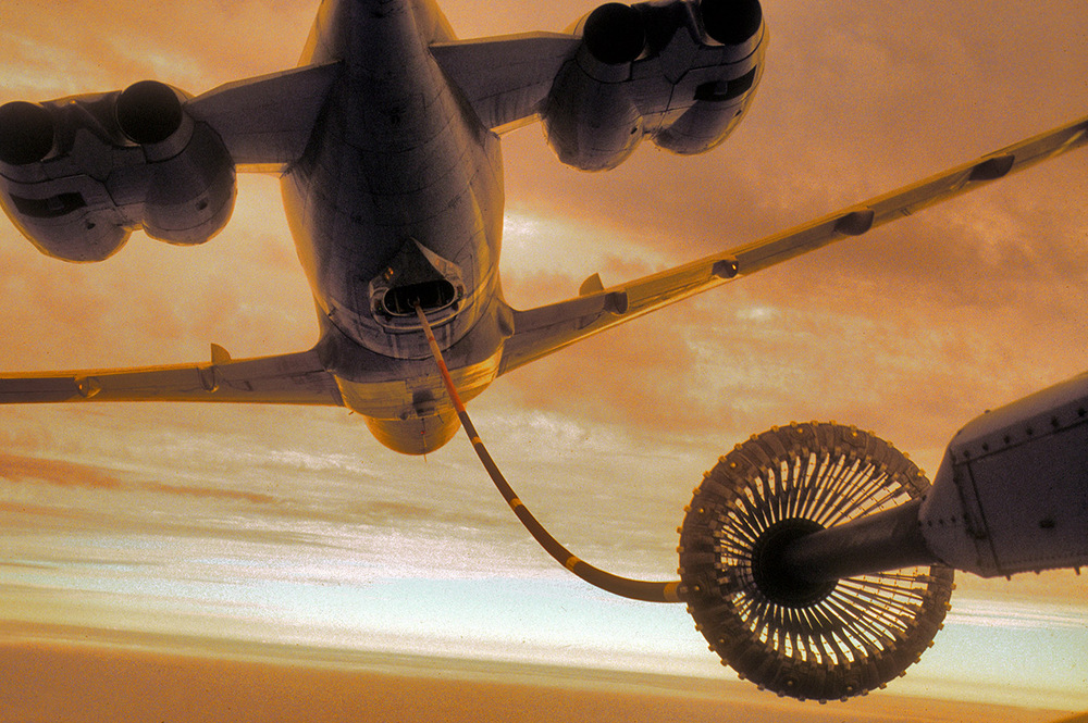 Vickers VC10 refuelling a C130 Hercules
