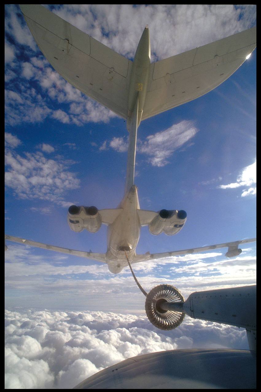 Vickers VC-10 refuelling a C130 Hercules