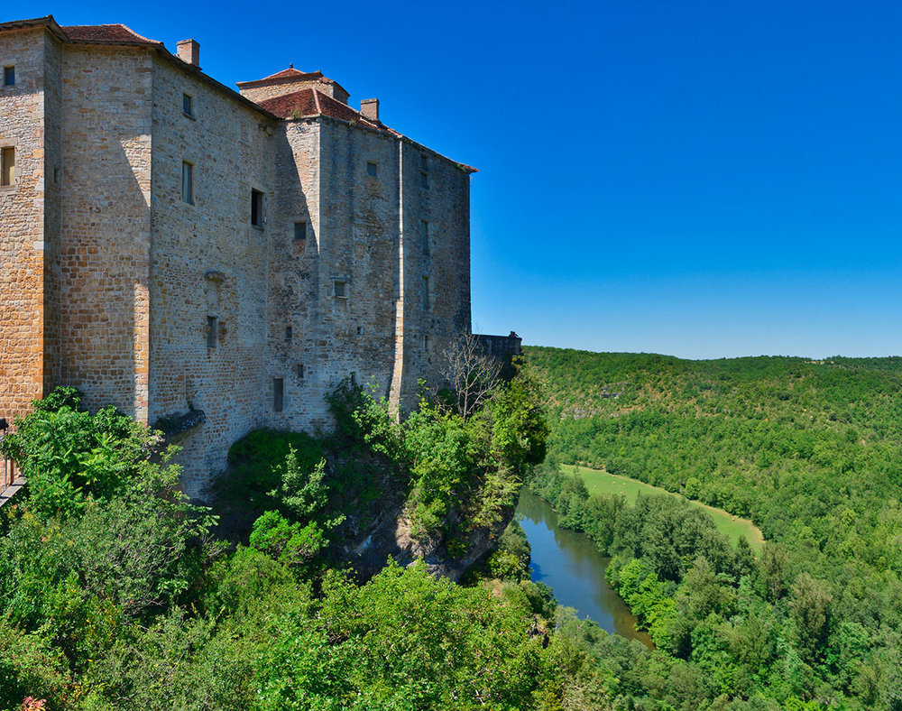 Bruinquel Castle overlooking the river Aveyron