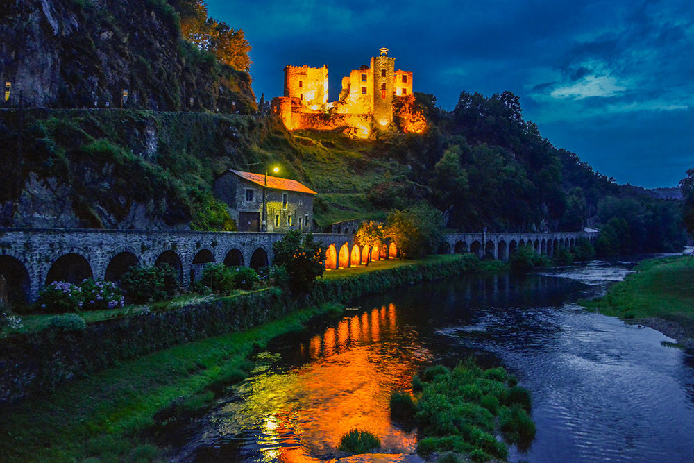 The ruins of Laguepie castle and the river Aveyron, St Martin Laguepie