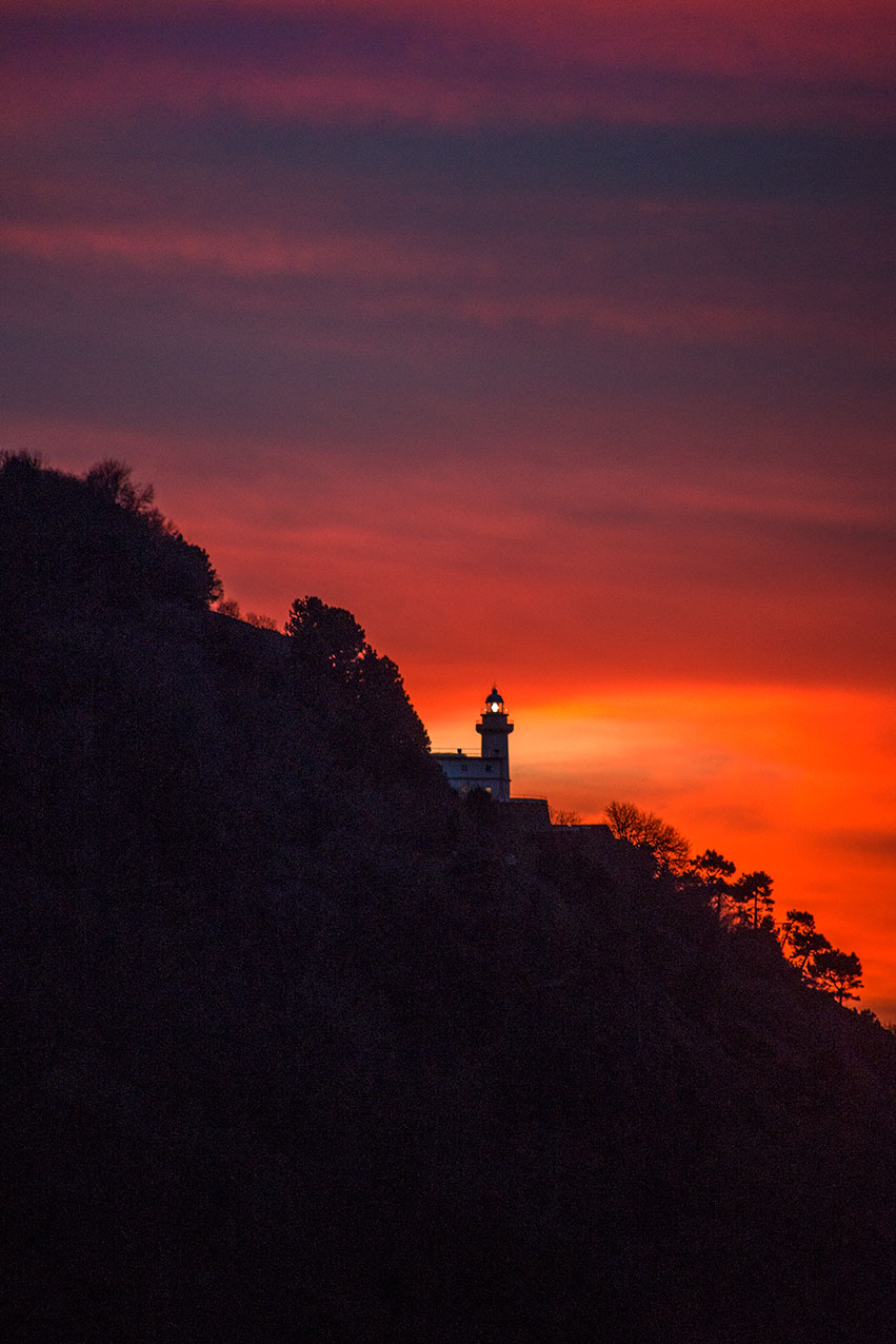 lighthouse_sunset_sanseb.jpg