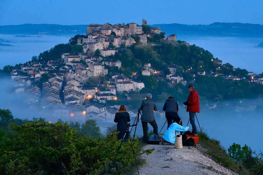 Dawn photo shoot overlooking Cordes from Graine de Sel