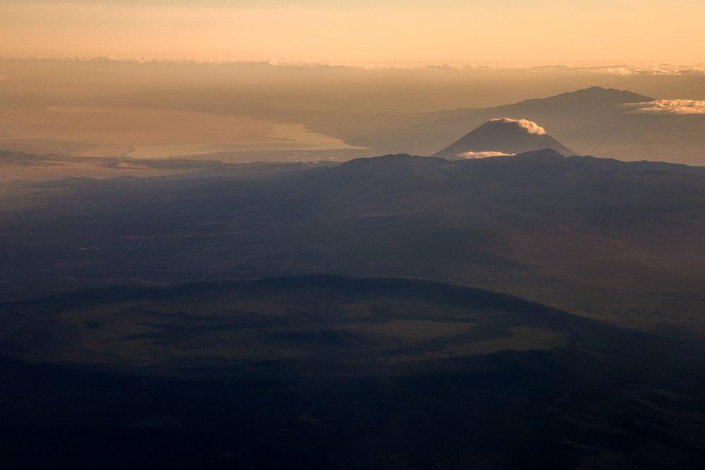 volcano_peaks_dawn.jpg