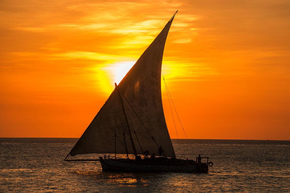 dhow_sunset_orb.jpg