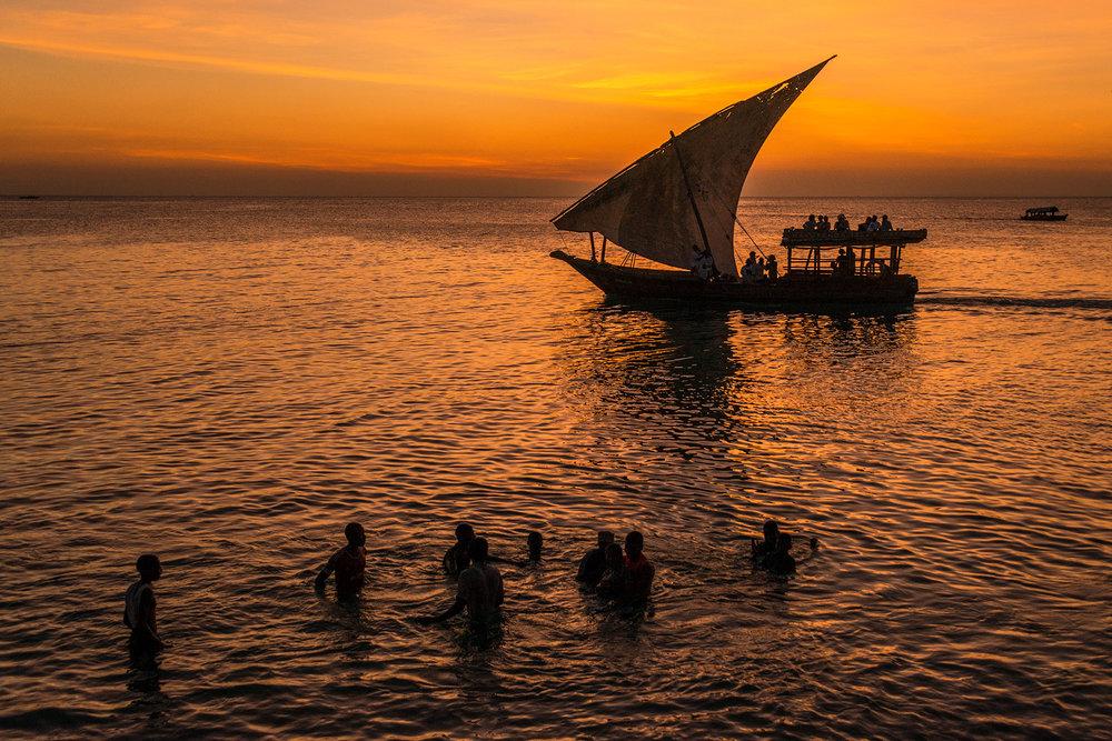 dhow_sunset_zanzibar.jpg