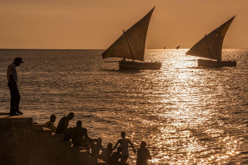 dhows_sunset_locals.jpg