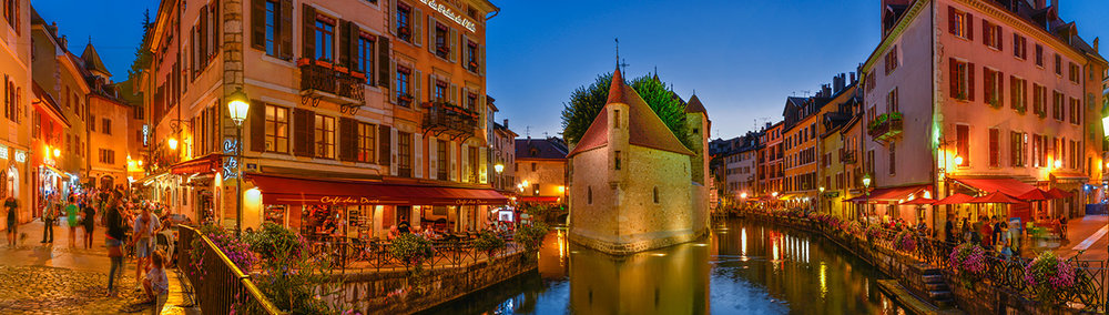 annecy_dusk_panorama.jpg