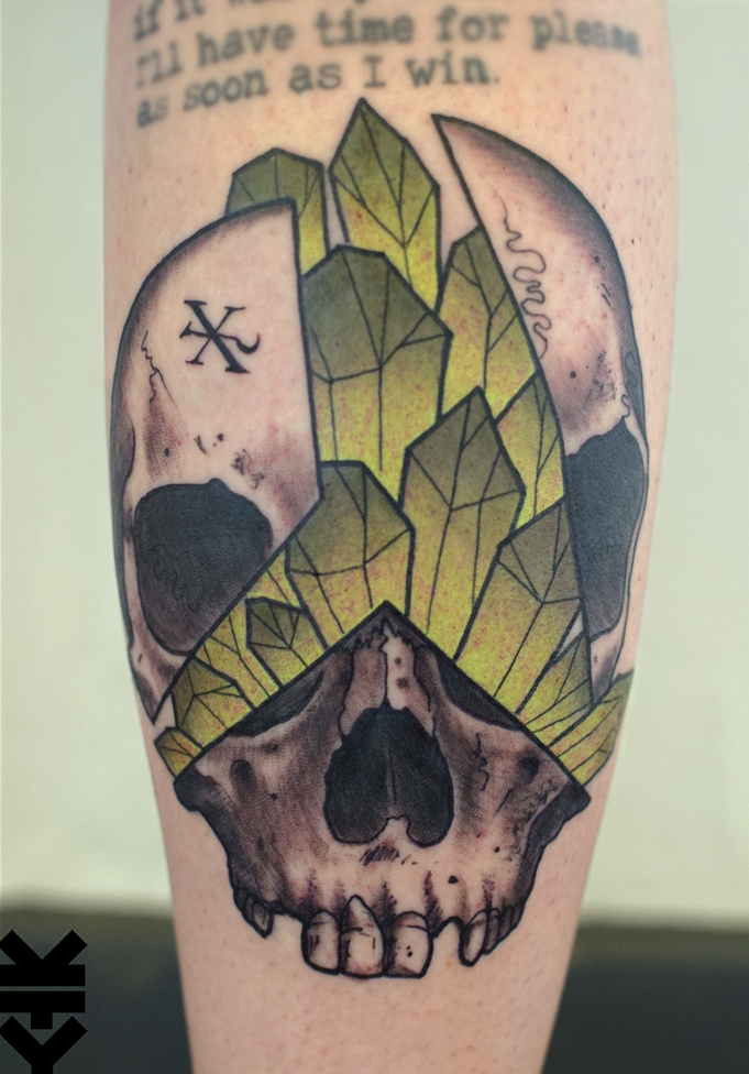 Kreatyves_tattoo_Berlin_Split_Skull