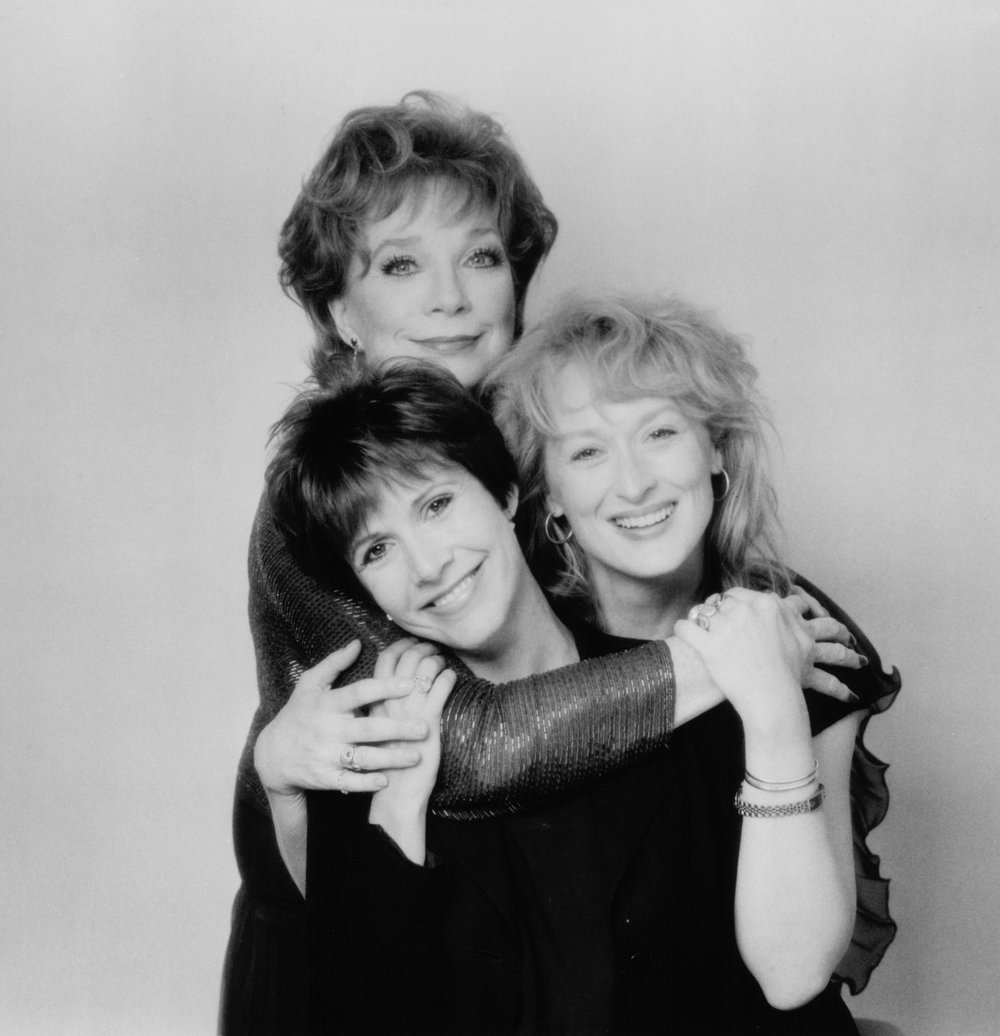 carrie-fisher-shirley-maclaine-and-meryl-streep-in-postcards-from-the-edge-1990-large-picture.jpg