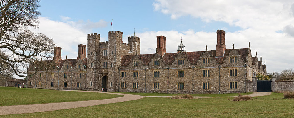 1200px-Knole,_Sevenoaks_in_Kent_-_March_2009.jpg