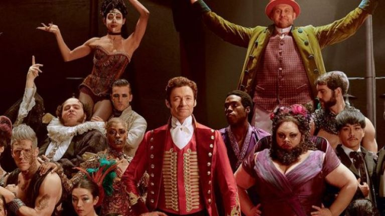 01-the-greatest-showman-hugh-jackman.jpg
