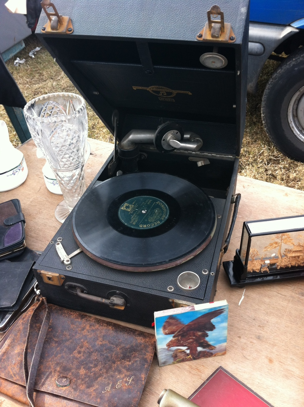 I'll also be posting a series of photographs of 'Things I didn't buy at the car boot sale'