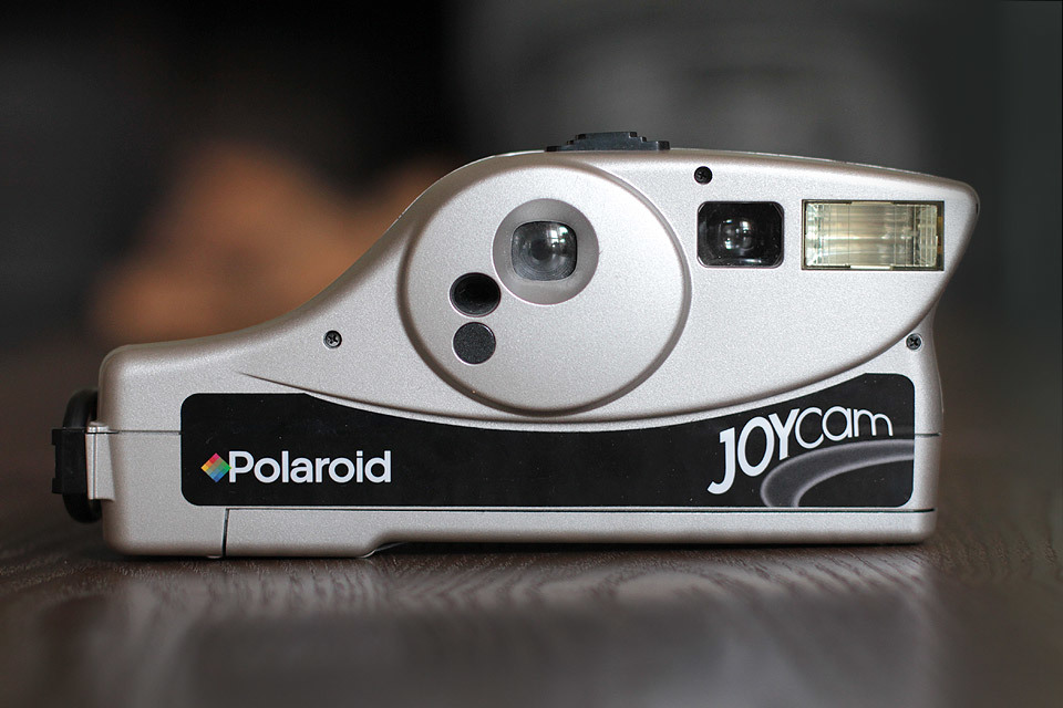 I bought this Polaroid Joy Cam in a charity shop, found some 500 film on eBay and tried it out… unfortunately, it seems I got sold a dud with the film being expired. I am guessing it wasn't kept refrigerated.