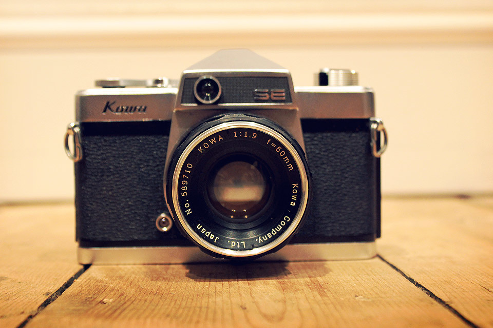 Kowa SE camera from the car boot sale.