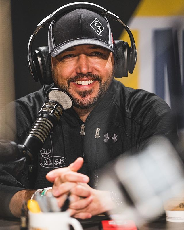 It's always great when @jasonaldean stops by the @bobbybonesshow.