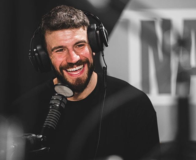 Such a great interview with @samhuntmusic this morning with @mrbobbybones. He's also going to be putting out another song in like a month. 🙌🏻