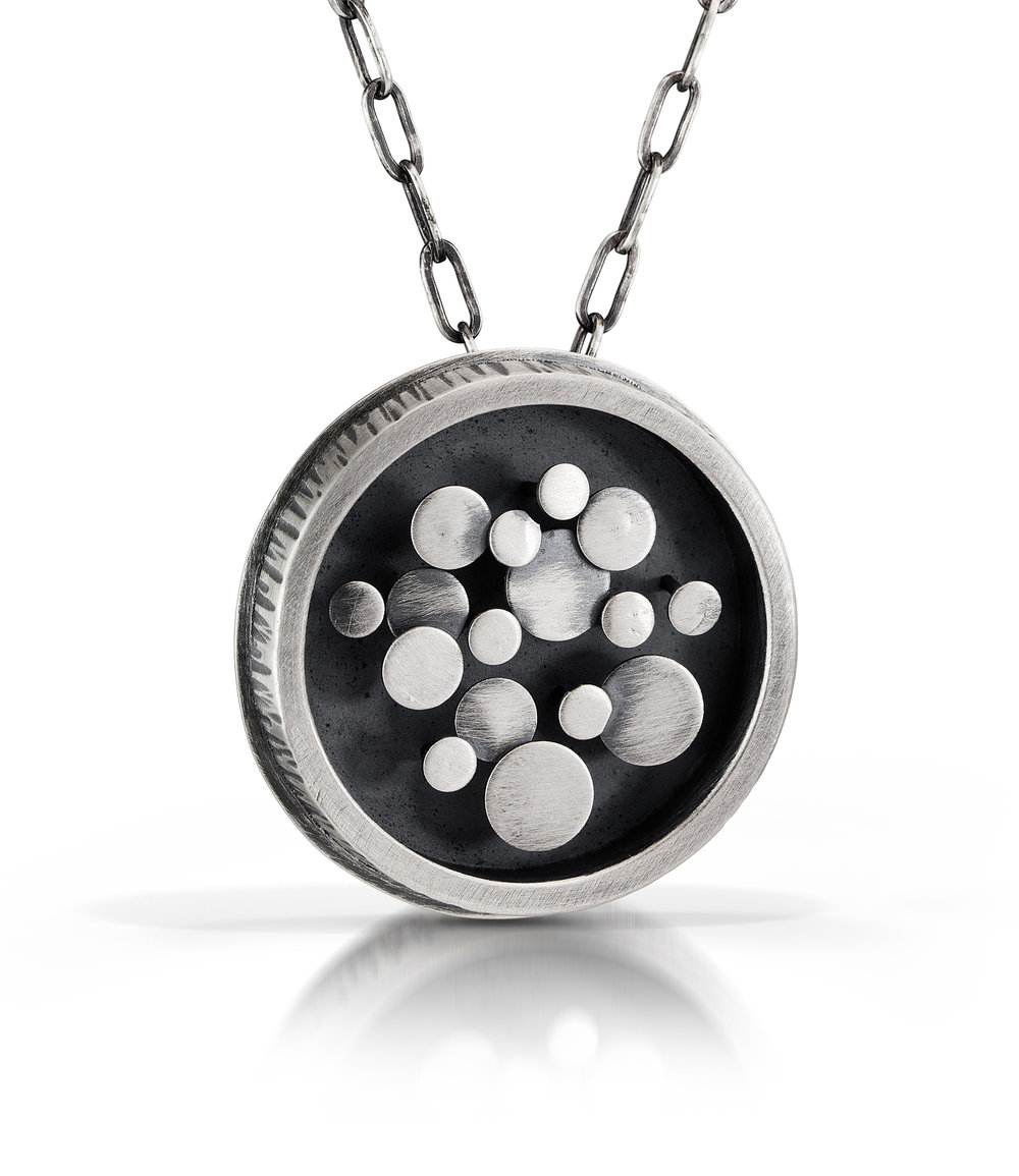 Circle Mond
