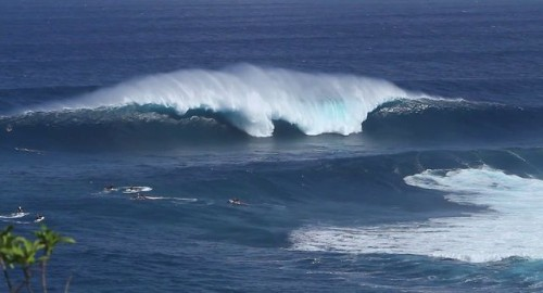 Hawaii: surfing Jaws on Maui