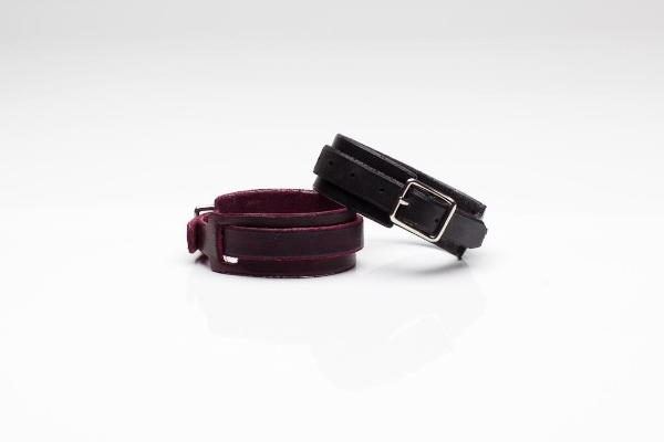 "NORTH BRACELET(S) 1"" ITALIAN VEG-TANNED COW HIDE WINE + NOIR / NICKEL PLATED BUCKLE  SUGGESTED RETAIL: $150"
