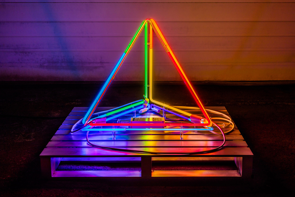 INTERFACE: neon, argon, glass, nickel, acrylic, GTO, two transformers, aluminum, 36 in. x 36 in. x 30 in. | Dylan Neuwirth + Image by Nathaniel Willson © 2015