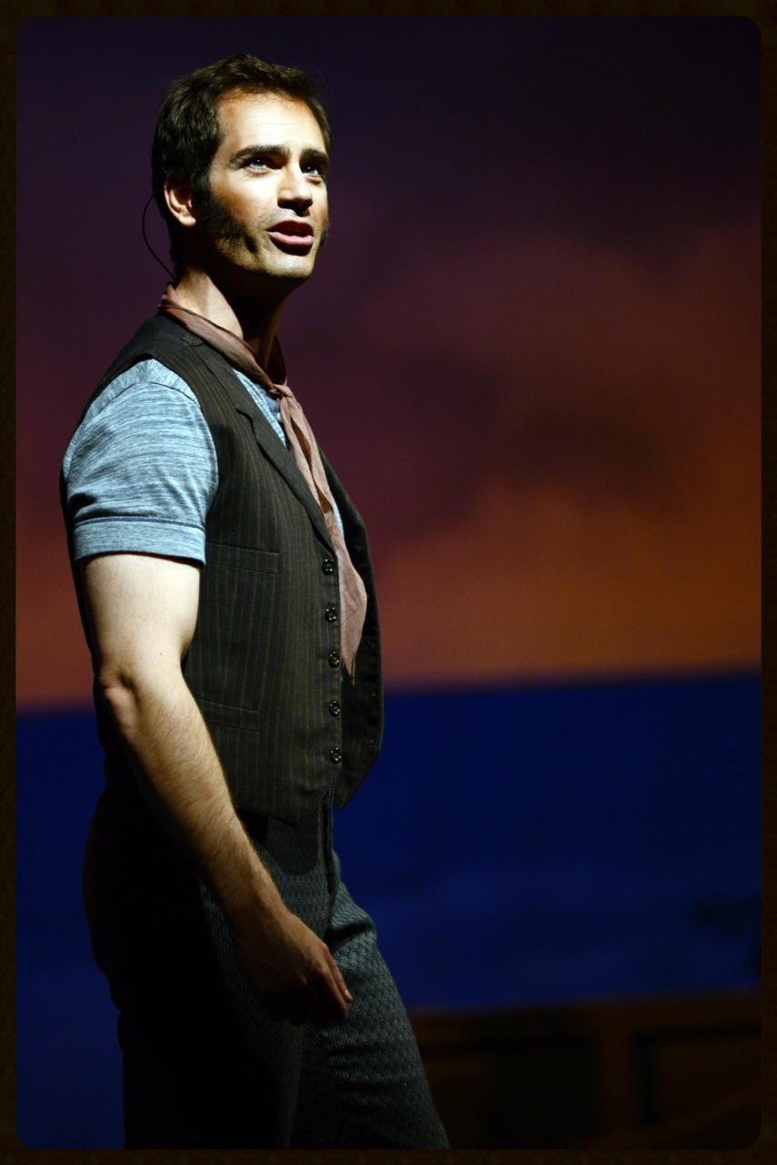 Baritone Matthew Worth in Virginia Opera production of Carousel  © David Beloff