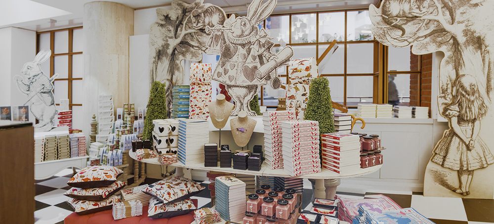 British Library Alice in Wonderland pop up shop. Store design and visual merchandising by Exhibeo VM. Photos by Alberto Balazs.