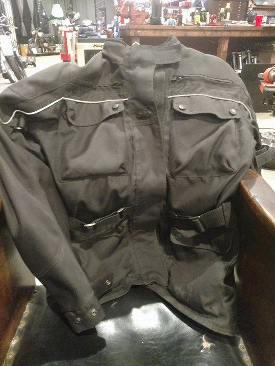 My BiLT jacket. An amazing amount of pockets, a girls dream.