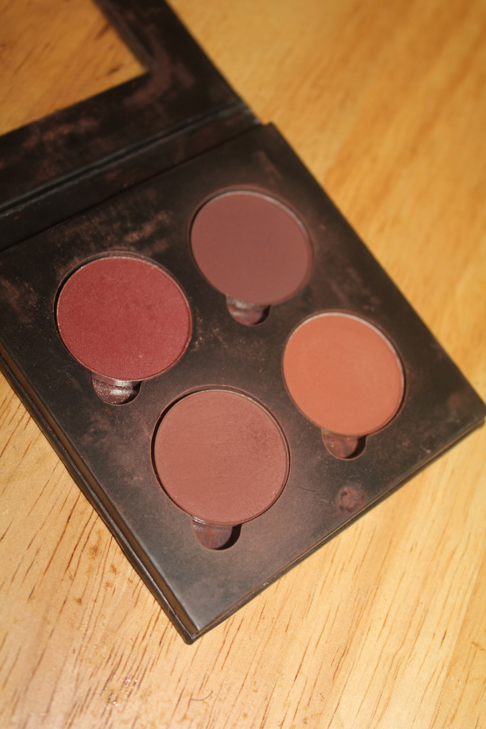 Anastasia Beverly Hills custom made matte palette ( Red Earth, Sienna, Beauty Mark and Makeup Geek Shadow in Bitten)