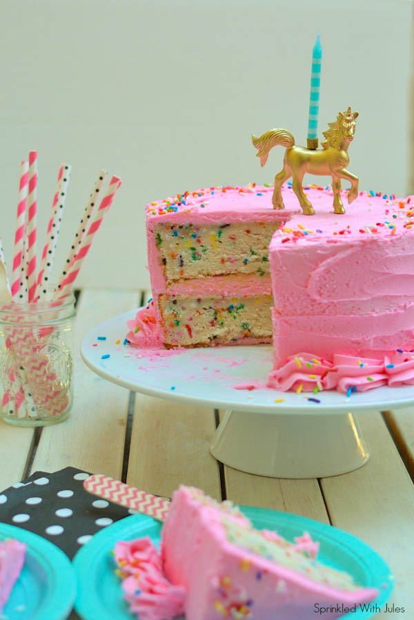 Funfetti Cake And 1 Year Blog Anniversary Giveaway