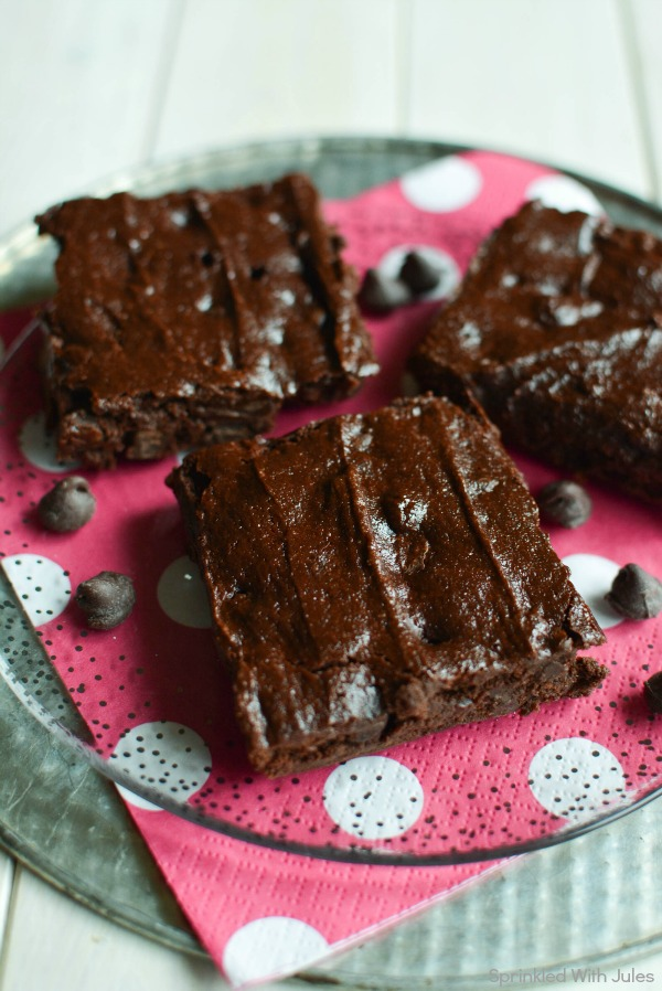 Ultra rich and fudgy Greek Yogurt Brownies. Made with no butter and no oil. / Sprinkled With Jules