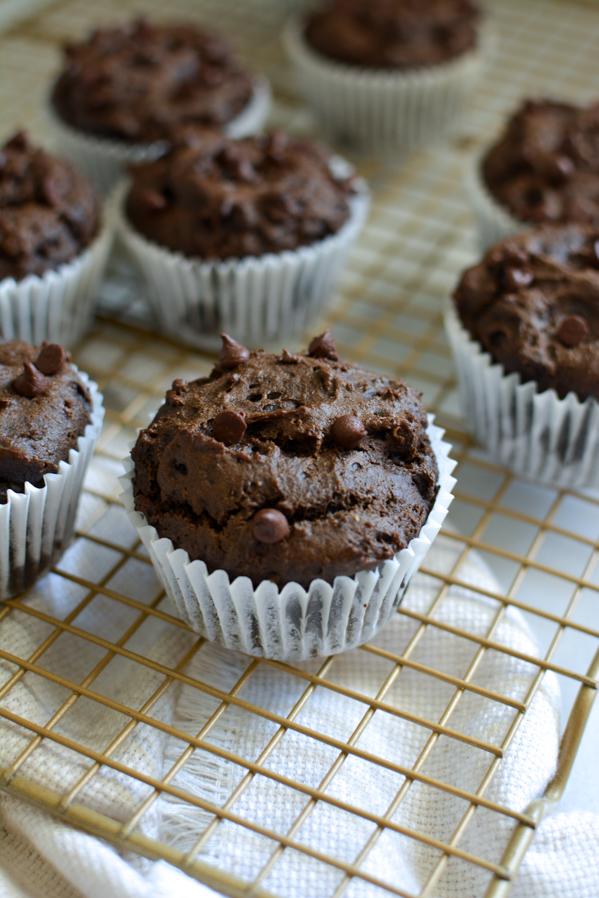 vegan chocolate avocado muffins  | sprinkledwithjules.com
