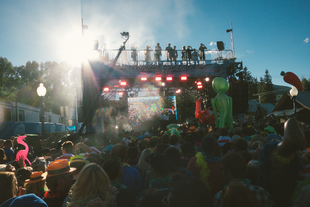 Lil Jon played a 90-minute set on a picture-perfect mountain evening.