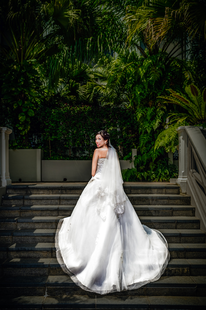 Bride in her wedding gown beautifully snapped in Singapore