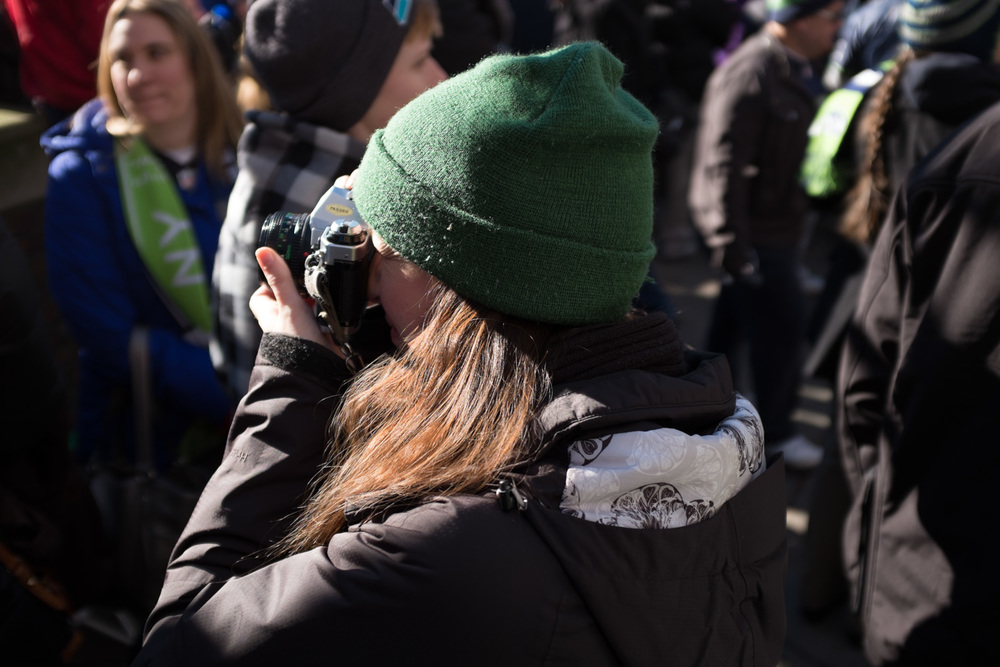 Alicia brought her AE-1 to shoot some crowd shots, while letting me borrow her X100s. Which is incredible.