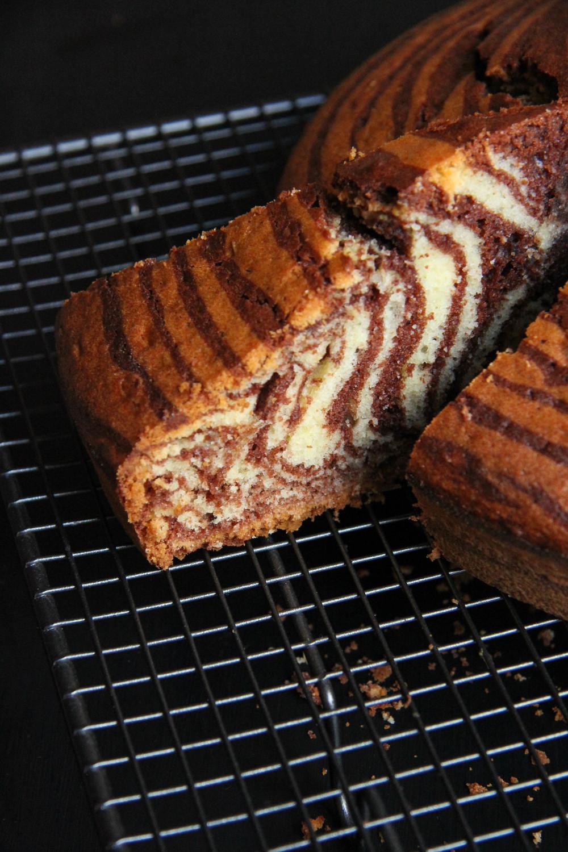Zebra Cake - The Flying Flour - www.theflyingflour.com_6491.jpg