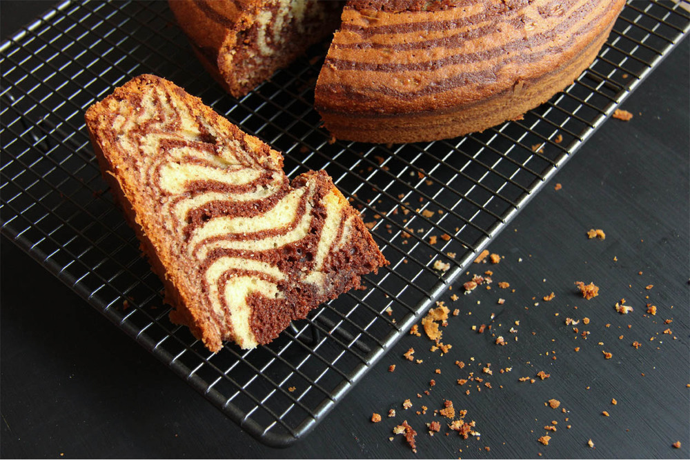 Zebra Cake - The Flying Flour - www.theflyingflour.com