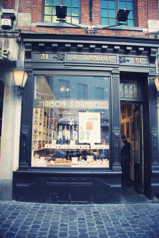 Maison Dandoy, à Bruxelles - TravelGuide - www.theflyingflour.com