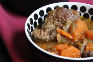 Boeuf mijoté aux carottes et à l'orange - www.theflyingflour.com