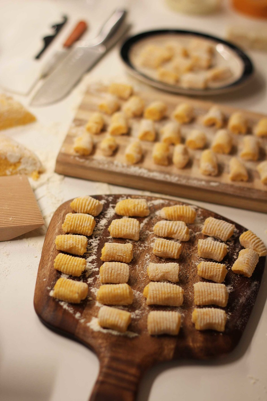Gnocchis de Butternut, sauce champignons et sauge | www.theflyingflour.com