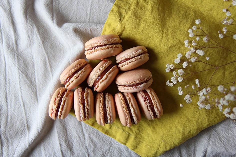 2017.07 - macarons rhubarbe - 6935 copie.jpg