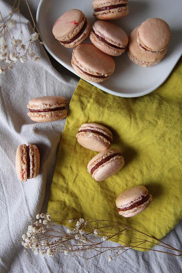 2017.07 - macarons rhubarbe - 6916 copie.jpg