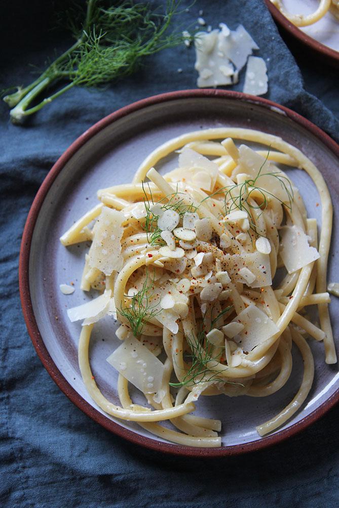 Mezzanelli, crème au fenouil et amandes | www.theflyingflour.com