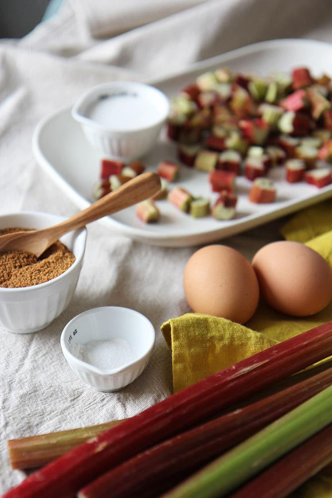 Muffins rhubarbe | www.theflyingflour.com
